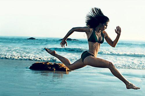 woman-sprinting